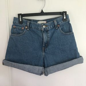Levi's 550 High Rise Relaxed fit Jean Shorts